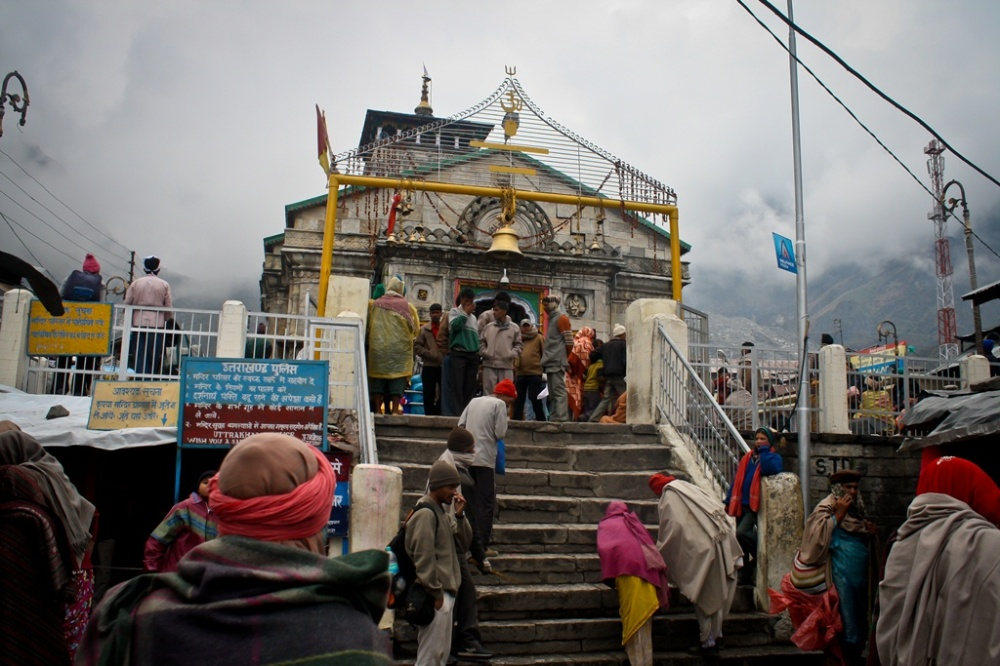 Kedarnath temple in the foggy Sumeru range background
