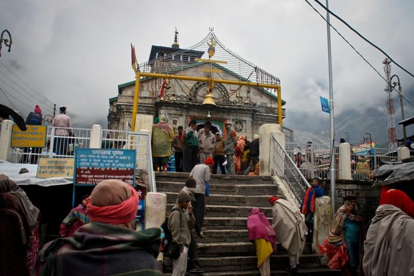 Kedarnath temple in the foggy Sumeru range background