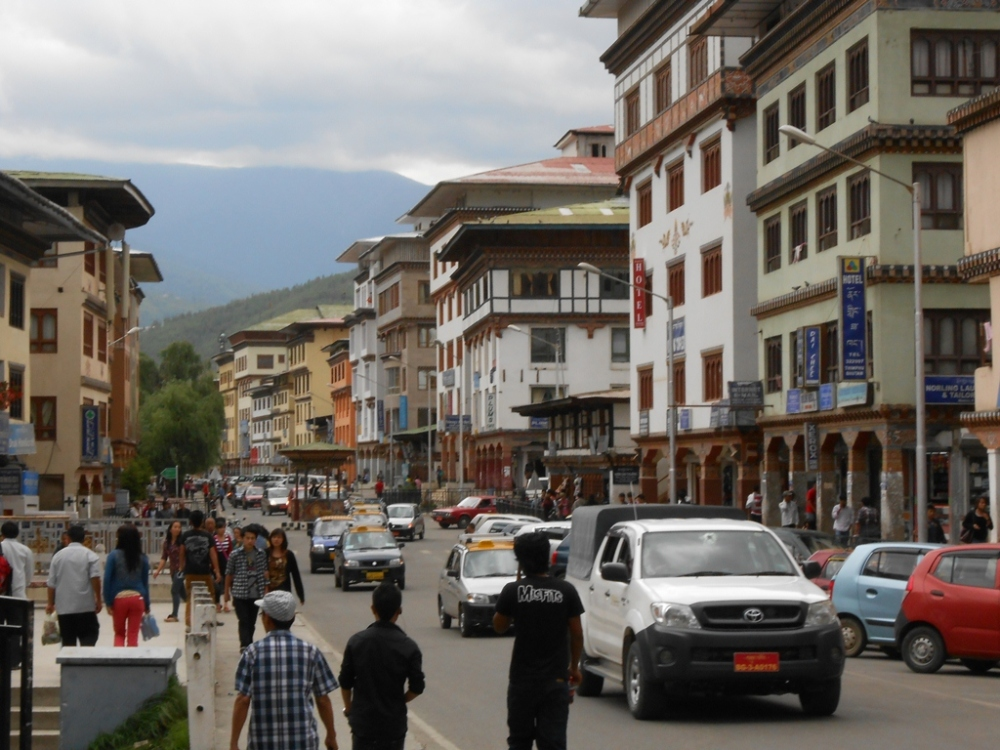 Another view of Wogzin Lam street, Thimpu