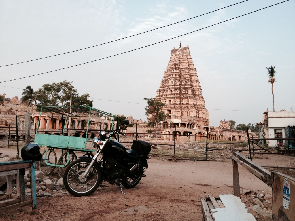 The entrance tower of Virupaksha temple. All round it are settlements with hardly any cordoned off spaces. Even inside the temple, only the sanctorum is locked at night. The rest of the space doubles up as a large open air dormitory for visitors who aren't up for spending money in renting rooms in the lodges around.